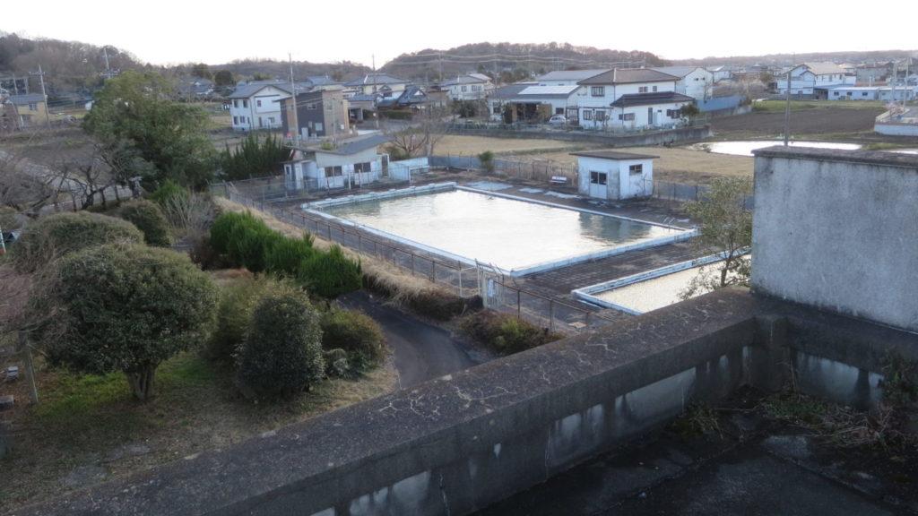 いろいろ撮影できちゃう学校スタジオのプール・校舎屋上から撮影してみた