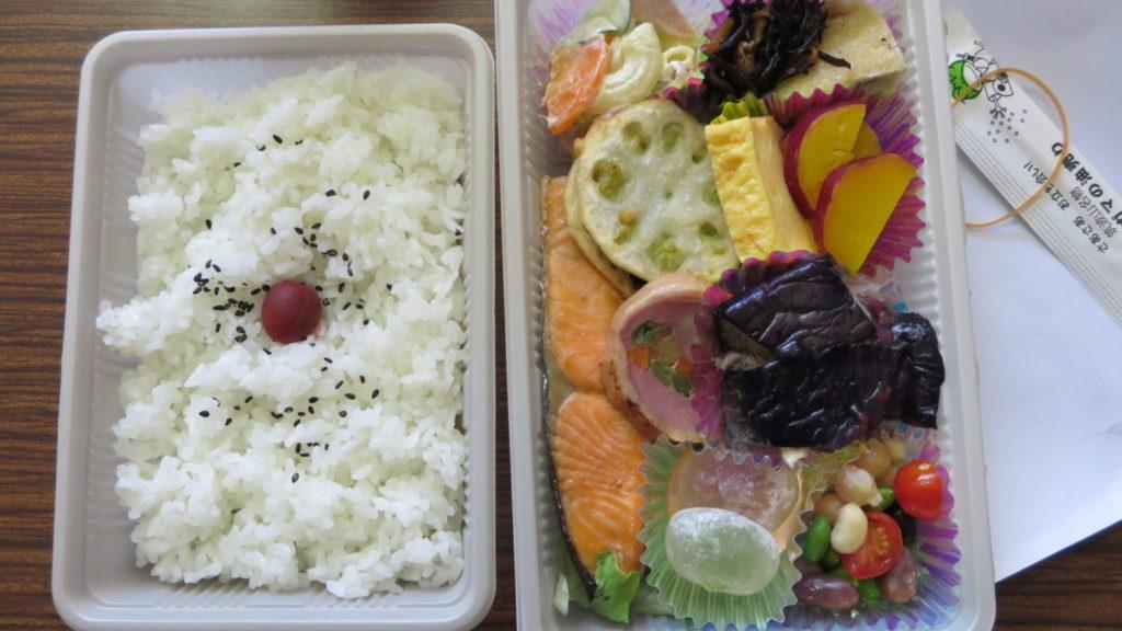 学校スタジオ・近所の魚徳さん・お任せ弁当700円で依頼