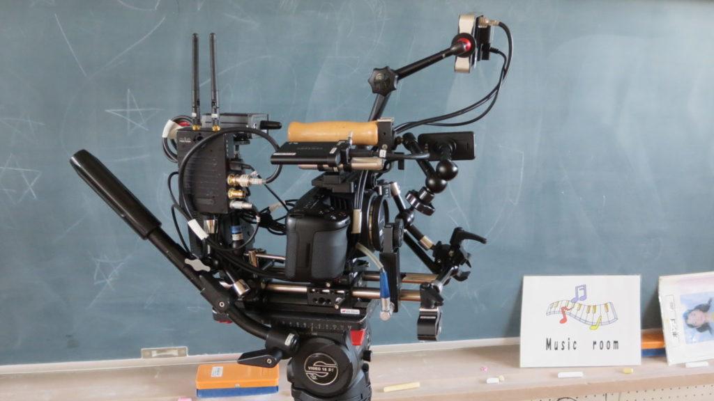いろいろ撮影できちゃう学校スタジオ・ミュージック撮影・カメラ・ブラックマジック・ニコンレンズ