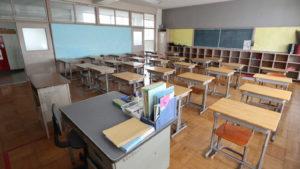 アトリエミカミのハウススタジオ・いろいろ撮影できちゃう学校スタジオ・教室