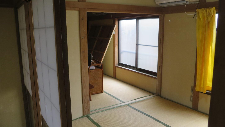 昭和でレトロなアパートスタジオ・室内のパネル壁・取り外しできます・撮影専用に改造