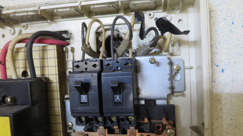 エアコンコンセント・設置・配線・漏電・新設・アトリエミカミ・アパートスタジオ