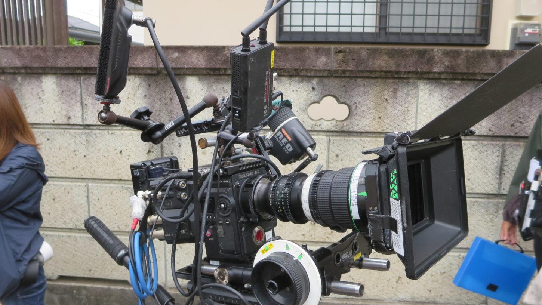 昭和でレトロなアパートスタジオ・45年続く連続どらチーム・カメラはREDのカメラ・アパート撮影しやすいそうです。