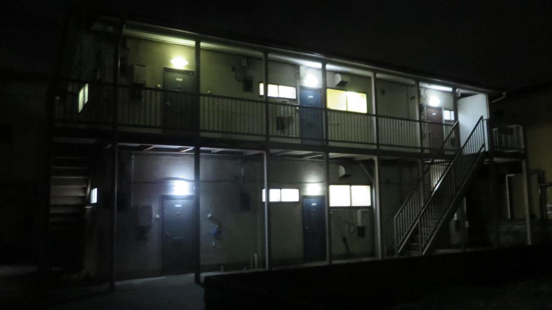 昭和でレトロなアパートスタジオ・夜のロケハン・深夜のシーン・夜の外観・