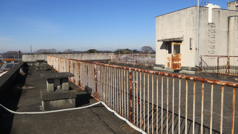 いろいろ撮影できる学校スタジオ・屋上東南側から撮影