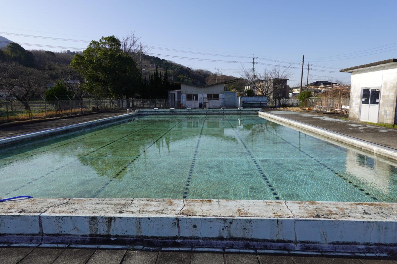 いろいろ撮影できる学校スタジオのプールの水はり開始から68時間後