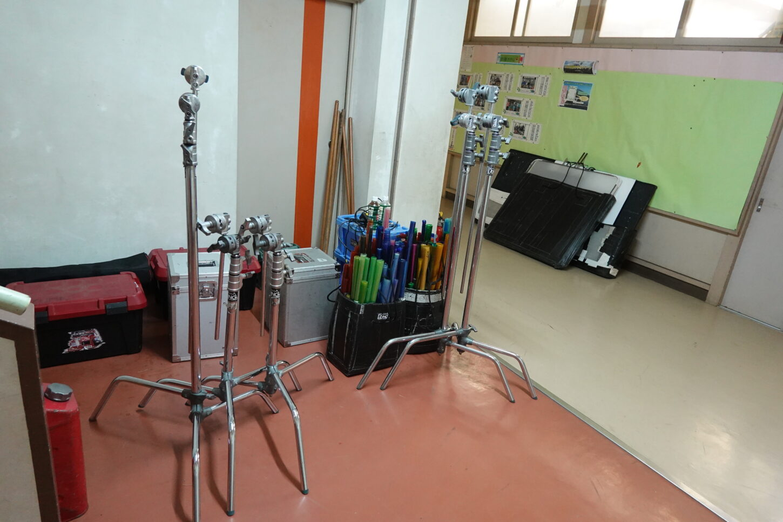 照明機材・教室・廊下・学校スタジオ