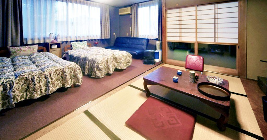 登録有形文化財橋本旅館新館客室