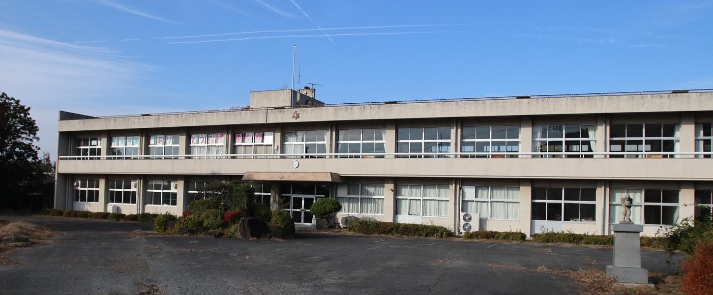 学校スタジオ・外観・正面
