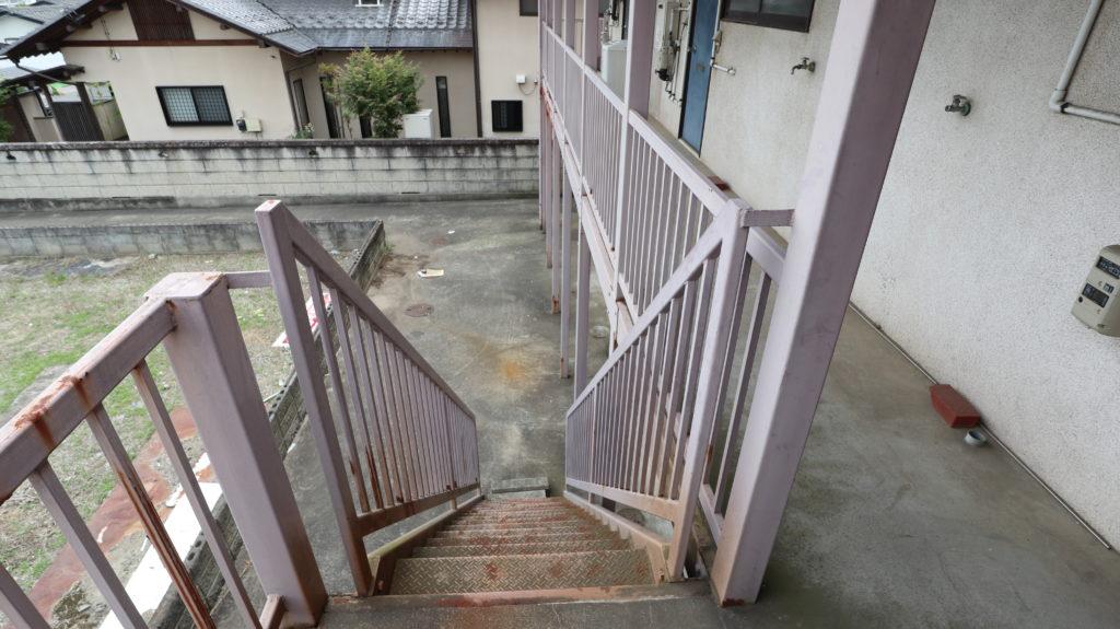 昭和のアパートスタジオ外階段