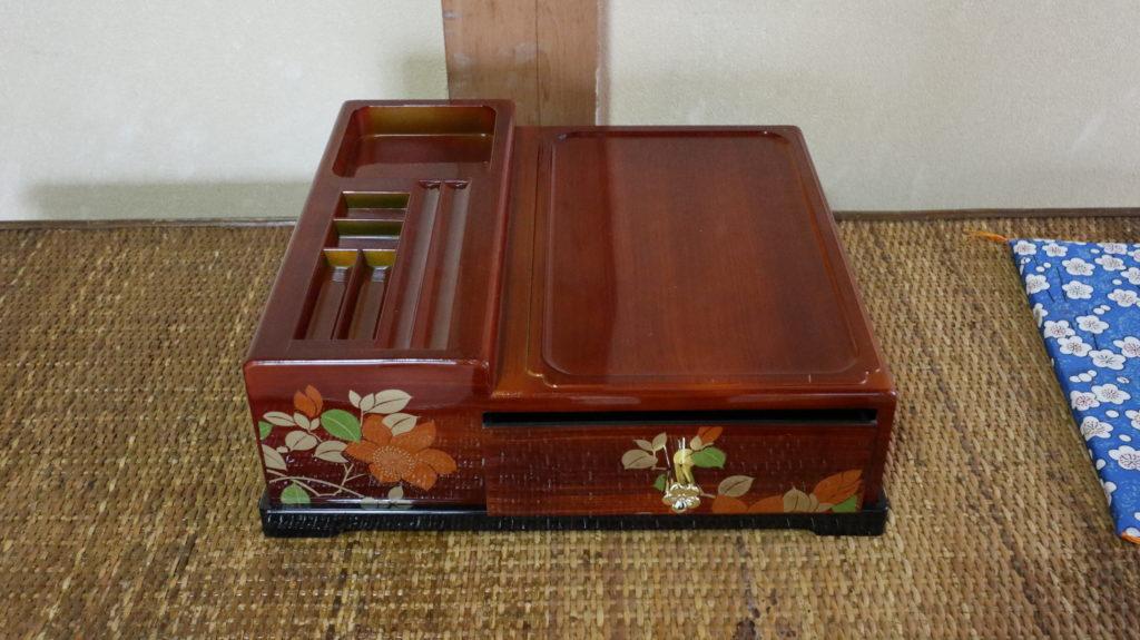 昭和の美術小道具電話台