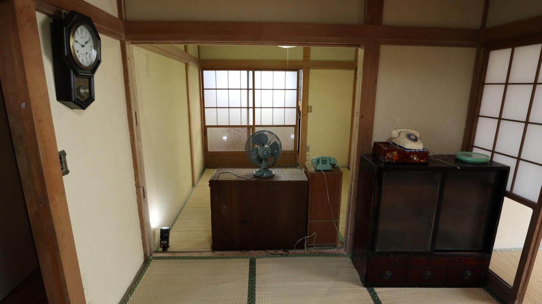 昭和でレトロなアパートスタジオ・パネル壁・取り外して