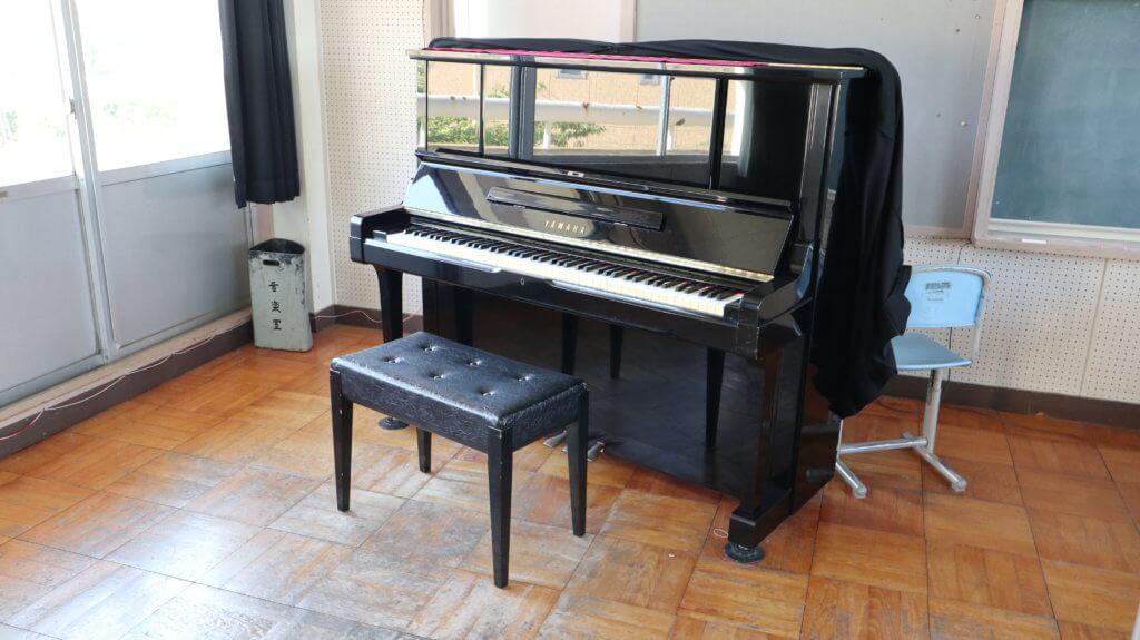 まるまる学校スタジオ・音楽室・ピアノ