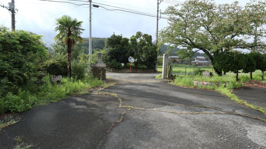 撮影で使える学校スタジオ・正面の正門・東京近郊・ロケ地