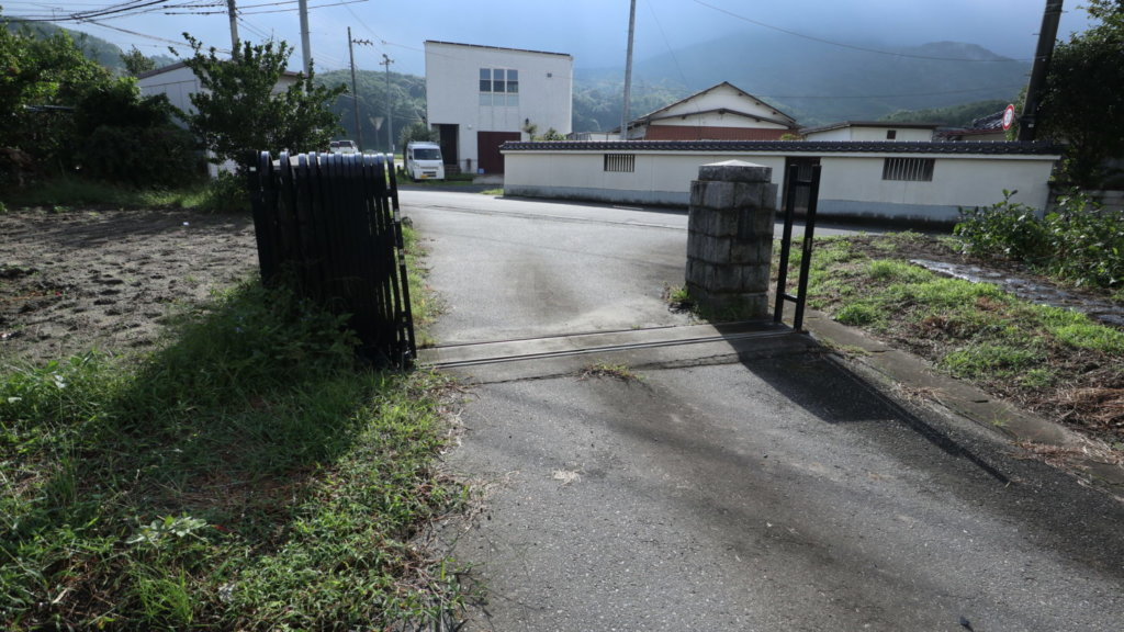 撮影で使える学校スタジオ・裏門・東京近郊・ロケ地
