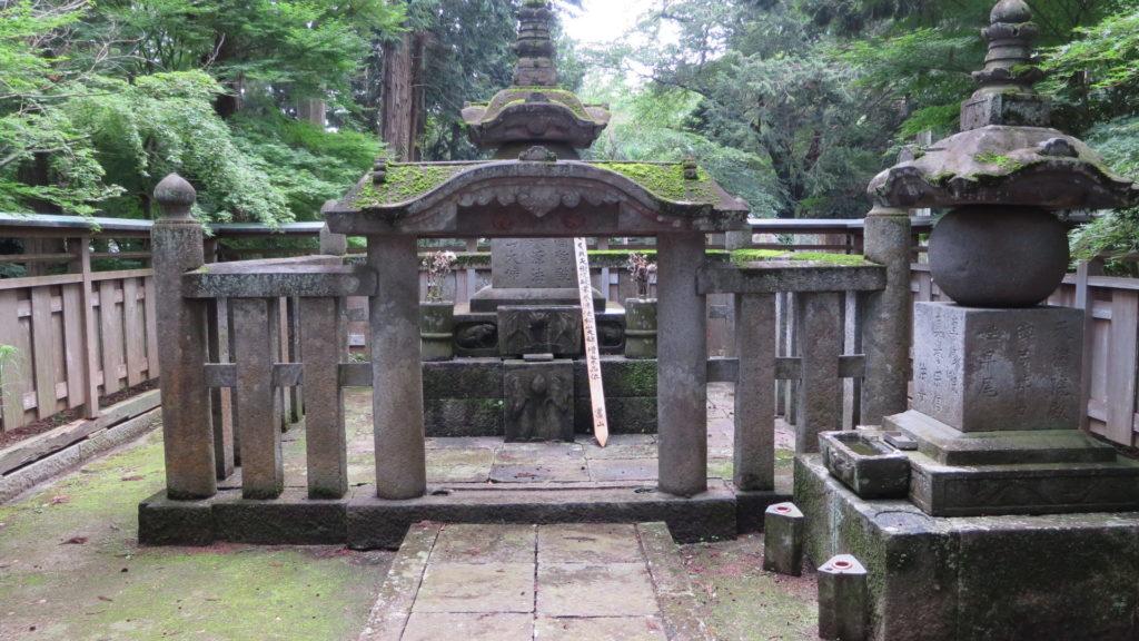千姫のお墓・天樹院弘経寺