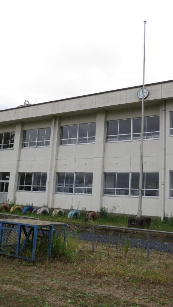 まるまる撮影で使える学校スタジオ・校庭・朝礼台・国旗台・東京近郊・真壁町・桜川市・
