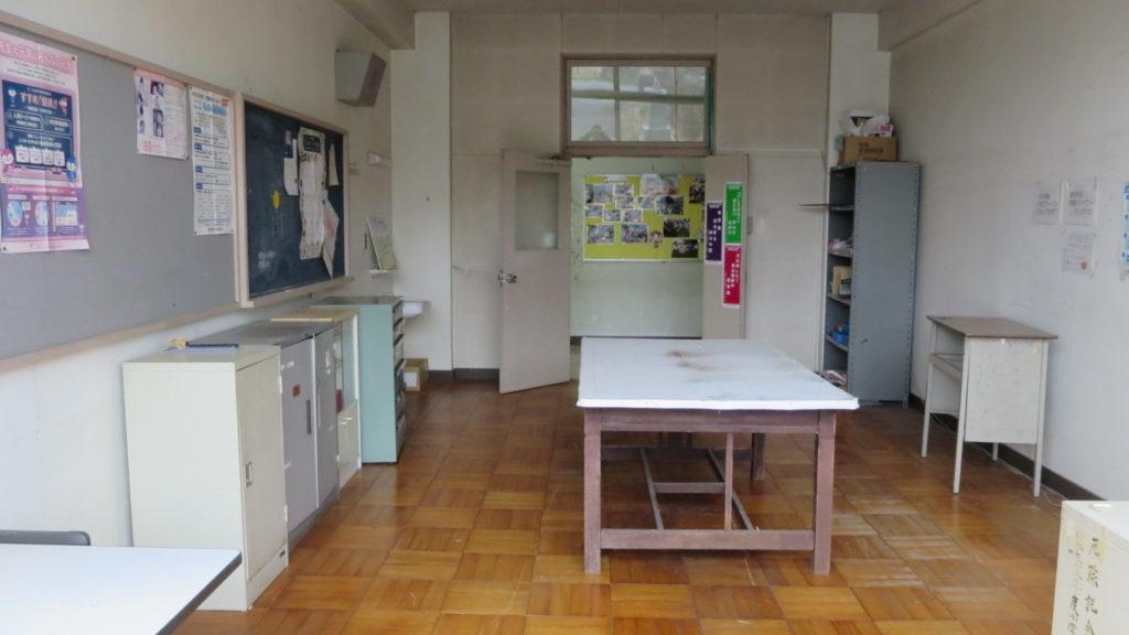 まるごと撮影できちゃう学校スタジオ・印刷室・綺麗に片付け中です。