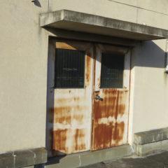 いろいろ撮影できちゃう学校スタジオ・屋上・錆びたドア・筑波山・山々・