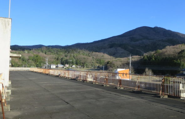いろいろ撮影できる学校スタジオ・屋上・筑波山が見えます・人気の撮影スポット