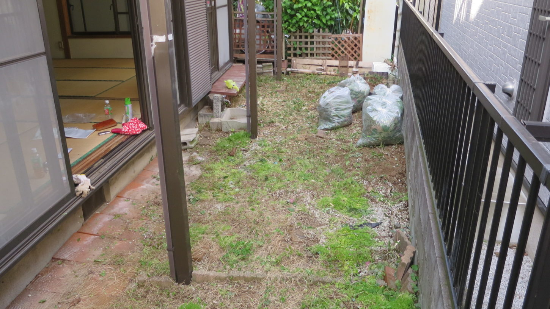 アトリエミカミのハウススタジオ管理物件の庭・雑草駆除