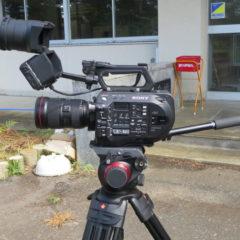 いろいろ撮影できる学校スタジオ・ミュージックビデオ撮影のカメラ・ソニーFS7・レンズはキャノン
