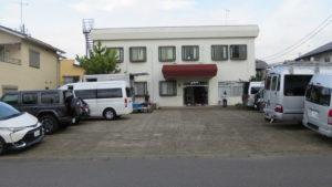 アトリエミカミのアパートスタジオの・昭和でレトロなアパートスタジオ・大型戸建スタジオの駐車場・車の止め方・