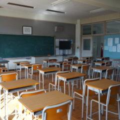 iいろいろ撮影できる学校スタジオ・教室・高校設定・ロッカーは、美術セット・連続ドラマ・