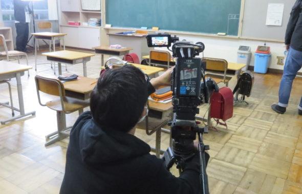 いろいろ撮影できる学校スタジオ・今日の撮影のカメラ・ソニーFS7・再現ドラマ撮影・アトリエミカミのハウススタジオ