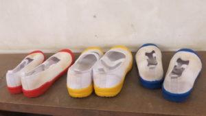 いろいろ撮影できる学校スタジオ・昇降口・上履き・美術小道具