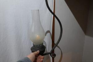 登録有形文化財橋本旅館スタジオの撮影用美術小道具・修理・分解修理・配線やり直し・アンテーク・オイルランプ調の照明