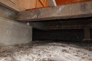 昭和でレトロなアパートスタジオ・床下・開口・床下撮影用プレゼン・事件もの・白骨死体・宝物・土。基礎の切れ目・