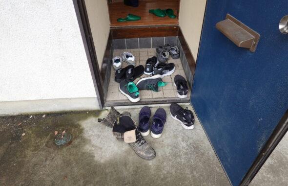 撮影専用アパートスタジオ・昭和でレトロなアパートスタジオ・撮影専用電源・壁が外れるロケセット・アトリエミカミのハウススタジオ・撮影用に改造物件