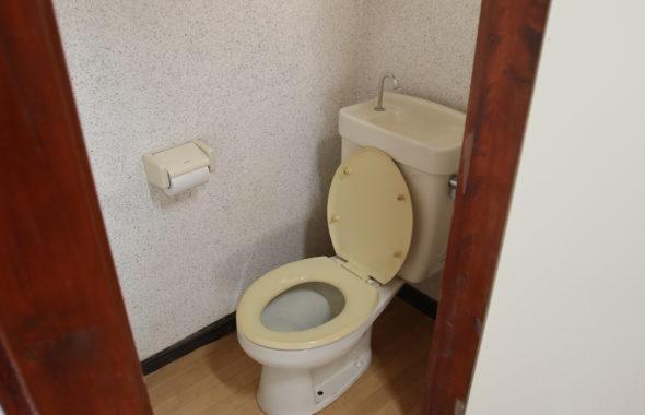 昭和でレトロなアパートスタジオ・トイレ