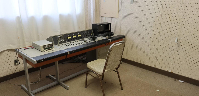 まるごと撮影できちゃう学校スタジオ・放送室