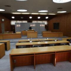 裁判所に見える会議室・撮影できます・アトリエミカミがコーディネート・学校スタジオ近所・東京近郊