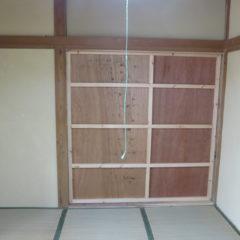 昭和でレトロなアパートスタジオ・取り外し可能なパネル壁