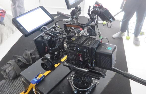 企業CMの撮影カメラはレットでした。