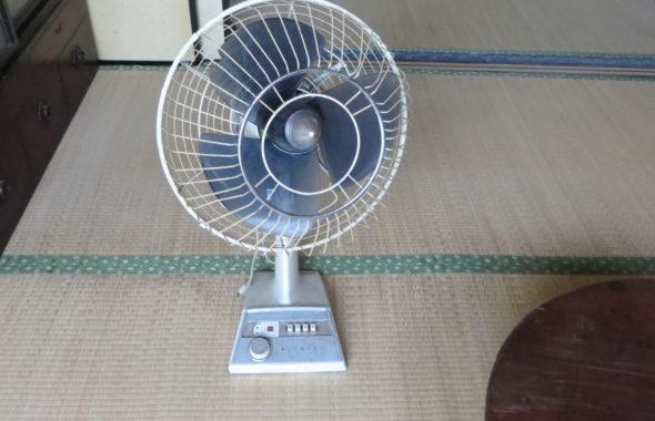 レトロな昭和の扇風機1960年代から1970年代