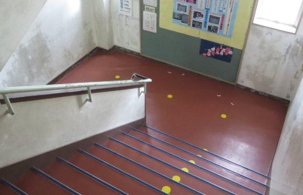 撮影で使える学校スタジオ階段・東京近郊・ロケ地