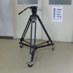 カメラドリー・三脚・貸しました・いろいろ撮影できる学校スタジオ
