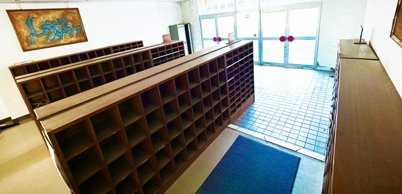 まるごと撮影で使える学校スタジオ・下駄箱