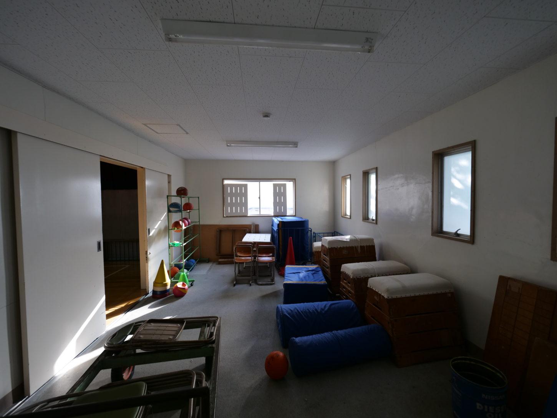 まるまる学校スタジオ体育館・準備室